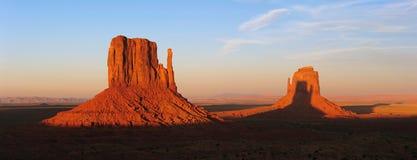Puesta del sol del valle del monumento Fotos de archivo libres de regalías