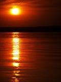 Puesta del sol del verano en el lago Fotografía de archivo libre de regalías