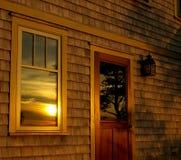 Puesta del sol del verano, reflejada Imagen de archivo libre de regalías