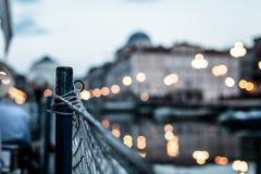 Puesta del sol delante de la ciudad de Trieste Imagenes de archivo