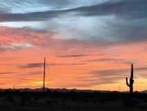 Puesta del sol del desierto de Arizona colorida imagen de archivo libre de regalías