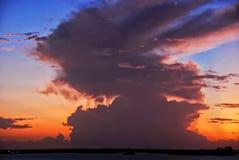 Puesta del sol después del huracán en Estero, la Florida Fotos de archivo