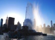 Puesta del sol detrás de la fuente de Buckingham, Chicago fotografía de archivo libre de regalías