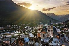 Puesta del sol detrás de las montañas de Briancon Fotografía de archivo libre de regalías