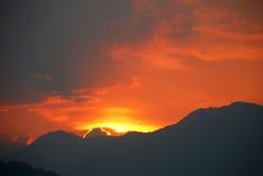 Puesta del sol dramática Imagenes de archivo