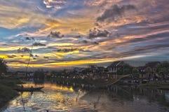Puesta del sol dramática Fotografía de archivo libre de regalías