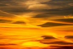Puesta del sol dramática del fuego Fotos de archivo libres de regalías