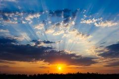 Puesta del sol dramática en alguna parte en Turquía Fotografía de archivo libre de regalías