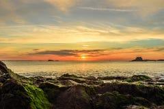 Puesta del sol dramática en Saint Malo Foto de archivo libre de regalías