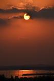 Puesta del sol en Abu Dhabi Foto de archivo