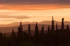 Puesta del sol en Alaska Imagen de archivo libre de regalías
