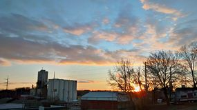 Puesta del sol en Atchison Kansas fotografía de archivo