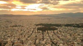Puesta del sol en Atenas en Grecia Visi?n desde la tapa almacen de metraje de vídeo