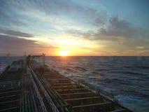 Puesta del sol en Atlántico Fotos de archivo