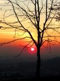 Puesta del sol en Bérgamo Imagen de archivo libre de regalías