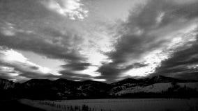 Puesta del sol en B&W imagen de archivo libre de regalías