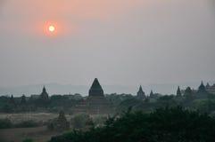 Puesta del sol en Bagan Foto de archivo