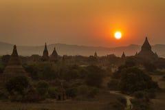 Puesta del sol en Bagan - Myanmar fotografía de archivo
