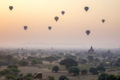 Puesta del sol en Bagan, Myanmar imagen de archivo libre de regalías
