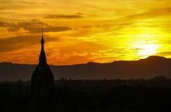 Puesta del sol en Bagan, Myanmar Birmania fotografía de archivo libre de regalías