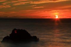 Puesta del sol en bahía del kealakekua imágenes de archivo libres de regalías