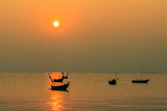Puesta del sol en BangSan, Tailandia Imagenes de archivo