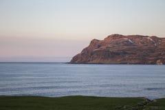 Puesta del sol en Borgarfjordur en Islandia Imagen de archivo libre de regalías