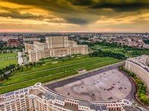 Puesta del sol en Bucarest Rumania Fotografía de archivo
