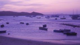 Puesta del sol en Buzios Rio de Janeiro, el Brasil almacen de metraje de vídeo