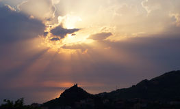 Puesta del sol en Calabria imagenes de archivo