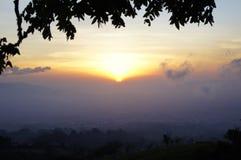 Puesta del sol en Costa Rica Foto de archivo libre de regalías