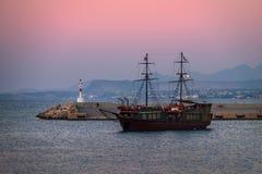 Puesta del sol en Crete Grecia 2015 fotografía de archivo