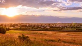 Puesta del sol en Daugavpils, Letonia, Europa Landcape Fotos de archivo