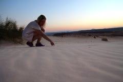 Puesta del sol en desierto Fotografía de archivo libre de regalías