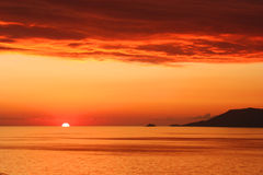 Puesta del sol en Dikili Imagen de archivo libre de regalías
