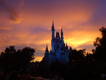 Puesta del sol en Disneyland la Florida Imagen de archivo libre de regalías