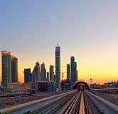 Puesta del sol en Dubai, UAE Fotos de archivo