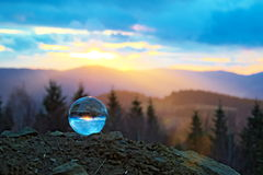 Puesta del sol en el bal del cristal Foto de archivo