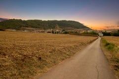 Puesta del sol en el camino a Santiago en Navarra Fotos de archivo