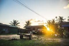 Puesta del sol en el campo Imagen de archivo libre de regalías