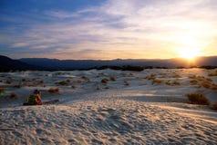 Puesta del sol en el desierto Imagen de archivo libre de regalías