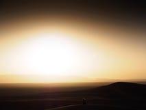Puesta del sol en el desierto marroquí Fotografía de archivo libre de regalías