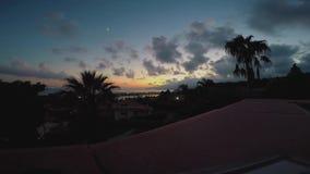 Puesta del sol en el estrecho de Messina, Sicilia almacen de video
