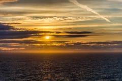 Puesta del sol en el Glacier Bay Alaska foto de archivo libre de regalías