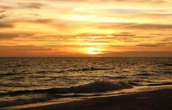 Puesta del sol en el golfo de México Fotos de archivo libres de regalías