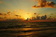 Puesta del sol en el golfo de México Imágenes de archivo libres de regalías