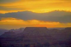 Puesta del sol en el Gran Cañón visto de la punta de opinión del desierto, borde del sur Imagen de archivo