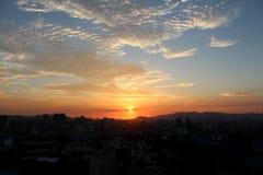 Puesta del sol en el horizonte de Kuala Lumpur Imagen de archivo
