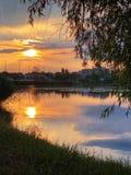 Puesta del sol en el lago Bujtos foto de archivo libre de regalías