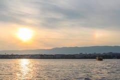 Puesta del sol en el lago de Ginebra Fotografía de archivo libre de regalías
